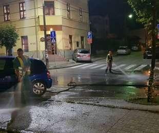 Редовно ноћно прање улица